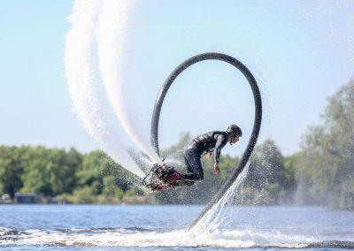 Flyboarden salto